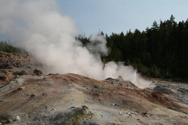 Steamboot geyser